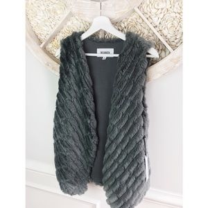 BB Dakota Faux Fur Vest M NWT